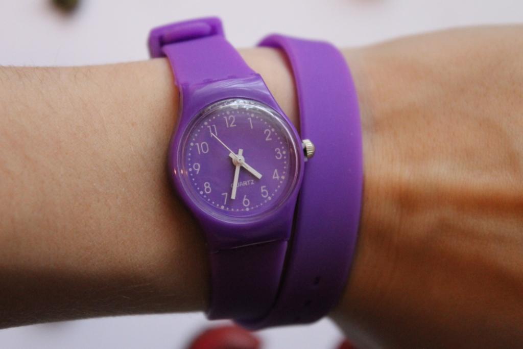Часы Swatch женские сиреневые |... Длинные ремешки